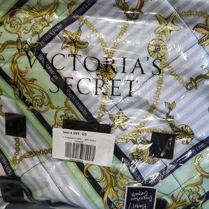 Victorias Secret packable blanket multicolor 57x52